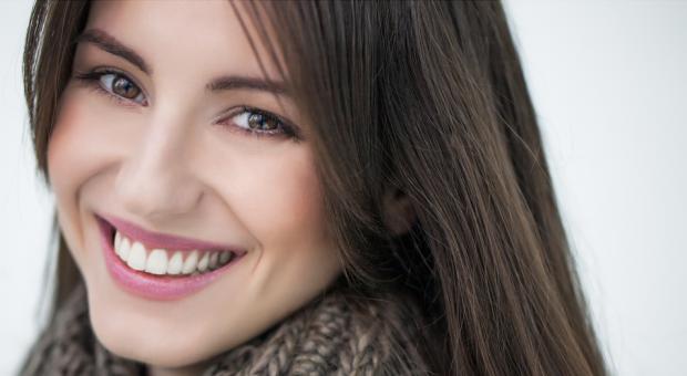 Estetik Diş Tedavileri İle Daha Genç Görünün